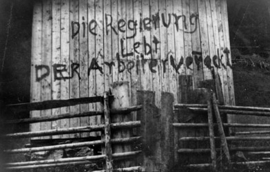 Claim on a Wall in 1933 (© Bildarchiv Austria)